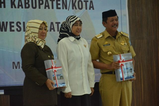 Penyerahan LHP atas LKPD TA 2016 Kabupaten Soppeng