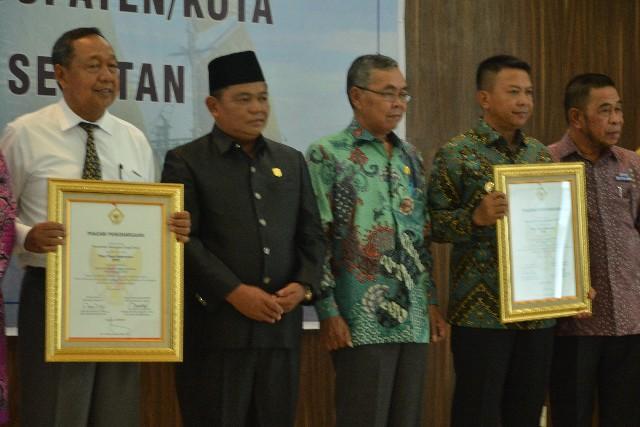 Piagam Penghargaan Opini WTP Kab. Toraja Utara dan Kepulauan Selayar